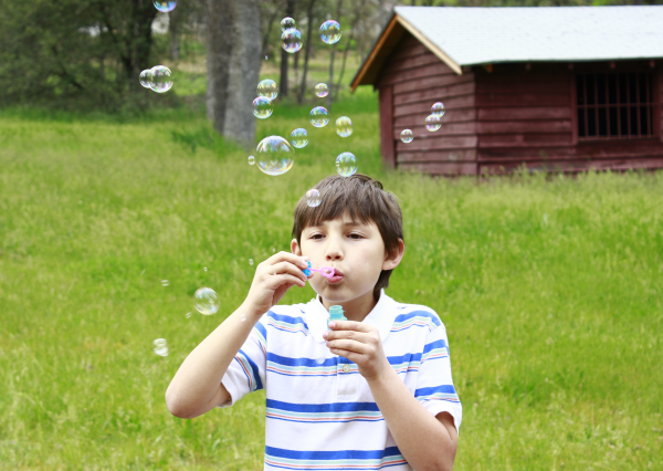 ReallyColor User Hall of Fame - Blowing Bubbles Photo